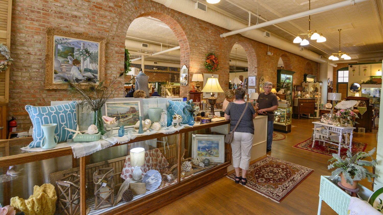 Mansfield Antiques Gallery (formerly Carrousel Antiques)
