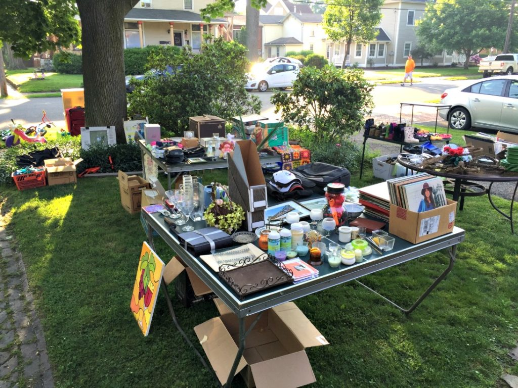 Lincoln Highway Buy Way Yard Sale Destination Mansfield