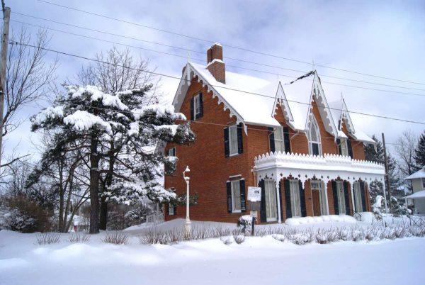 Oak Hill Cottage Christmas Tours