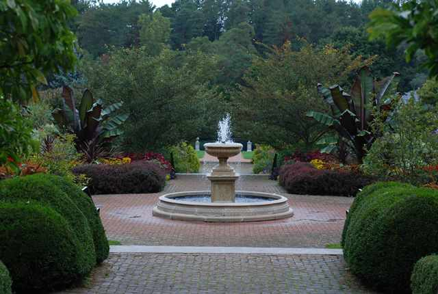 Statues & Fountains Tour at Kingwood Center Gardens
