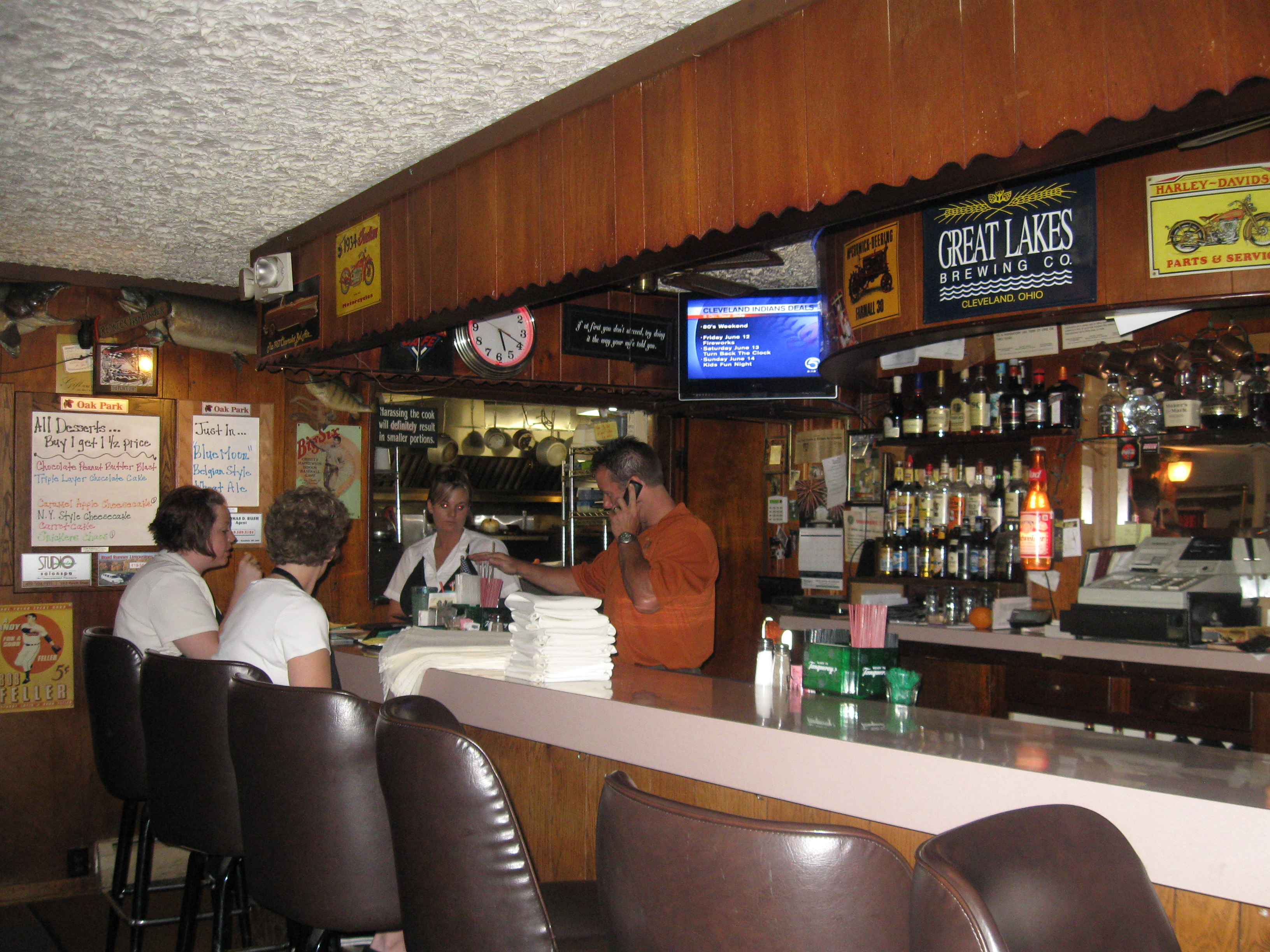 Oak Park Tavern Restaurant